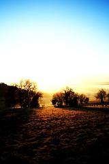 Lever de soleil (Matthieu Luna) Tags: pictures blue sun france digital canon eos rebel soleil photo photographie matthieu bleu 1855 31 efs saintgaudens comminges xti 400d