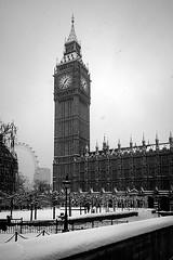 Snowy London - Houses of Parliament II (Mohain) Tags: blackandwhite snow london mono housesofparliament parliament bigben