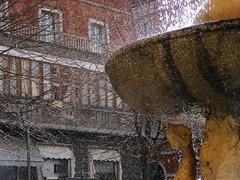 zampilli (raffaphoto) Tags: city italy water fountain ma la foto centro di non acqua fontana marche  citt storta zampilli voglia avevo raddrizzarla tenetevelacos