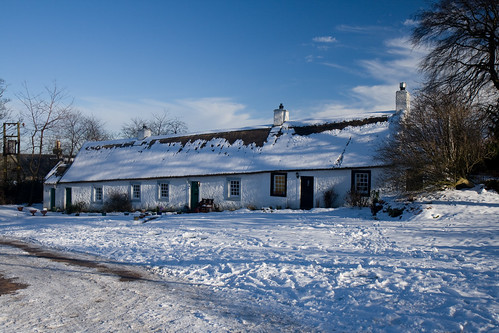 Swanston,cottages in the snow (8589)
