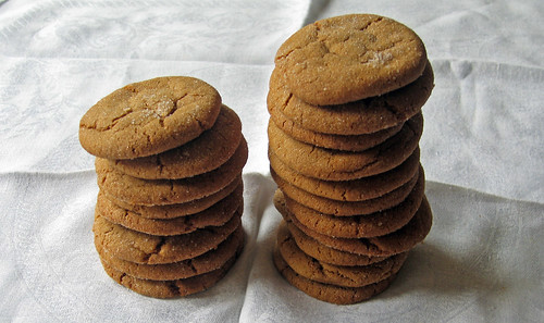molasses cookie towers