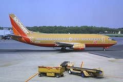Southwest Airlines Boeing 737-3H4 N374SW (Flightline Aviation Media) Tags: airplane airport aircraft aviation jet baltimore boeing 737 southwestairlines canond30 stockphoto bwi 737300 7373h4 kbwi n374sw bruceleibowitz
