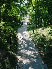 NYC - Upper East Side, Carl Schurz Park (Guenther Lutz) Tags: 2001 nyc newyorkcity usa spring path manhattan sony may cybershot walkway impact northamerica newyorkstate uppereastside springtime carlschultzpark