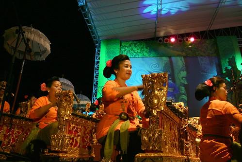 Sandiya Gita female gamelan