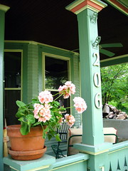 Front Porch (pdx3525) Tags: iowa davenport 2008 quadcities davenportiowa scottcounty eastdavenport scottcountyiowa prospectterracedavenport