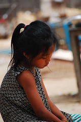 Cambodian sadness (changinglivescambodia.org) Tags: poverty boy girl kids garbage cambodian child dump phnom penh