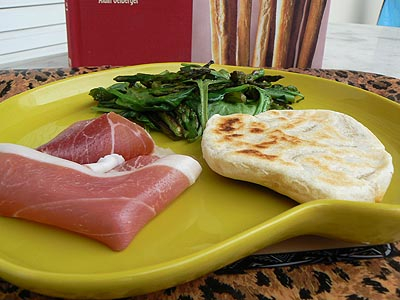 assiette piadina jambon et asperges.jpg