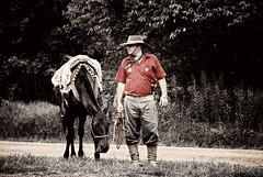 De a cavalo... (mauroheinrich) Tags: brasil cavalo gauchos riograndedosul pampa gaucho cavaleiros gaúcho tradição cabalo ibirubá fotógrafosbrasileiros cavalgadas fotógrafosgaúchos fotógrafosdosul