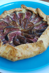 DSC_0241 (maybellesmom) Tags: pie cheddar figs bakedgoods