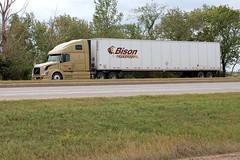 Bison Transport Truck (pokoroto) Tags: summer canada truck highway transport brandon august manitoba transportation bison 2009 transcanada 8月 カナダ 八月 hazuki はづき 葉月 平成21年 モニトバ