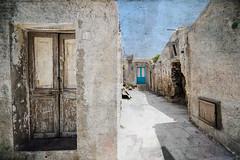 Marzamemi alley (manlio_k) Tags: door texture canon alley sigma sicily 1020mm vicolo marzamemi sicilia manlio texturized 400d manliok