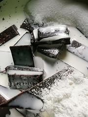 Receta de tarta de tres chocolates