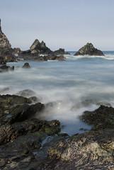 Pormenande (kankamusina) Tags: longexposure beach relax agua nikon asturias playa velo roca elisa piedras fernandez torcida tripode asturies lacaridad 2segundos menendez elfranco nd8 d80 pormenande kankamusilla kankamusina efectoseda 210209 elisafernandez olarizador elikanka elisafernandezmenendez