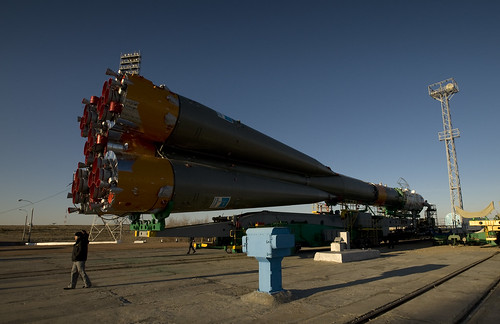 Expedition 19 Soyuz Rollout (200903240020HQ)