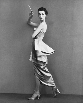 Dovima, evening dress by Fath, Paris, August 1950