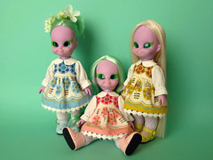 Emerald Trio (Helena / Funny Bunny) Tags: vintage flora doll group 1972 embla olds illuminati portofolio luma funnybunny emeraldwitch solidbackground fbfashion