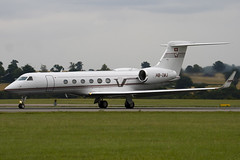 HB-IMJ - G5 Executive - Gulfstream Aerospace G-V Gulfsteam V (G5) - Luton - 090810 - Steven Gray - IMG_8734