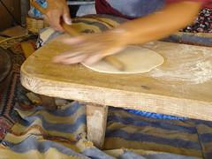ekmek açarken