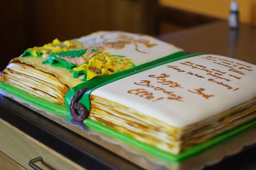 Ellies3rd Bday cake052