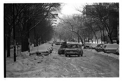 Chicago - 54th & Hyde Park Boulevard, 1979 (Andre's Street Photography) Tags: winter chicago blizzard chicagowinter blizzzardod79