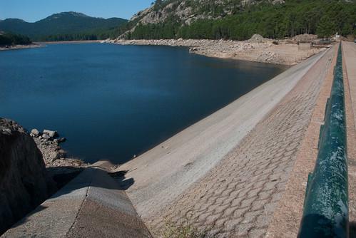 Staudamm - nasse Seite