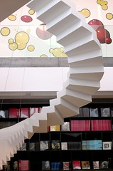 IMG_9672 (carlos_ar2000) Tags: sculpture argentina buenosaires stair angle library escalera escultura laboca curve libreria angulo curva