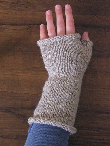 wearing hedgerow mitt