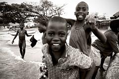 Warm welcome - Cape Maclear - Malawi (PascalBo) Tags: africa boy people blackandwhite bw beach monochrome smile outdoors kid nikon child d70 noiretblanc malawi enfant sourire plage lakemalawi garçon afrique southernafrica eastafrica lakenyasa lakeniassa capemaclear 123faves lakenyassa afriqueaustrale afriquedelest lacmalawi pascalboegli lacnyasa lacnyassa lacniassa