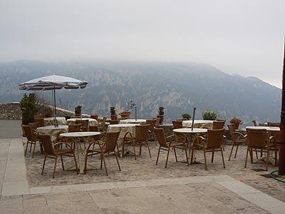 terrasse de la taverne à Gourdon.jpg