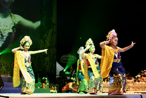 Nusa Dua Fiesta dance