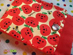 ipod case_nat (Gi ★ CuteClub) Tags: carteira natalia ipodcase maçãs decole decolello