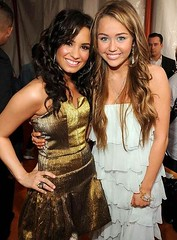 Demi and Miley at the Kids Choice Awards 2009 (i <3 nick jonas!!!) Tags: girls friends pretty dresses demi 2009 golddress miley whitedress disneychannel hannahmontana mileycyrus kidschoiceawards demilovato sonywithachance march282009 kca2009 kidschoiceawards2009demilovato kidschoiceawards2009demi kidschoiceawards2009miley demiandmiley mileyanddemi mileycyrusanddemilovato demilovatoandmileycyrus mileycyrus2009 demilovato2009 kidschoiceawards2009 demilovatosnewlook mileyanddemiarefriends mileyanddemi2009