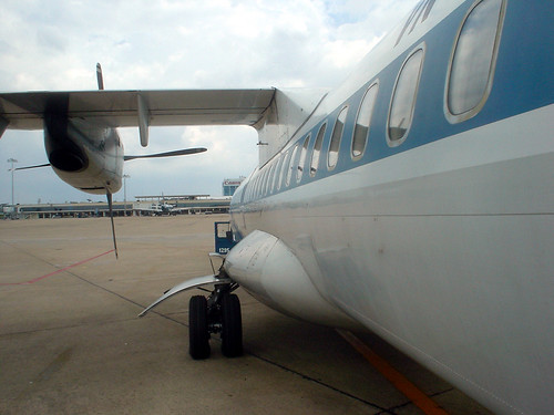 17.是螺旋槳客機