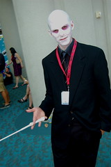Comic Con 2009: Voldemort (earthdog) Tags: movie costume sandiego cosplay harrypotter monthlyscavengerhunt comiccon 2009 msh magicwand voldemort moviecostume unknownperson harrypottermovie sdcci comiccon09 upcoming:event=958403 upcoming:event=1494437 msh1111 msh111115 needscamera needslens