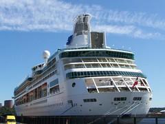 Vision of the seas (tompa2) Tags: hav fartyg vatten hamn stockholm bil lidingö sverige uppland kryssningsfartyg flagga höghus visionoftheseas skorsten tross sweden suecia schweden schiff svezia