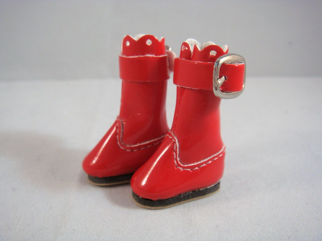 Blythe - Fashion Red Boots with Buckle (BB-001R)