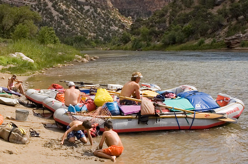 Loading up the rafts