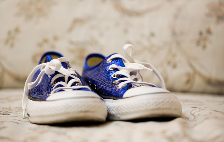 tennis-shoe-wedding-shoes-photography