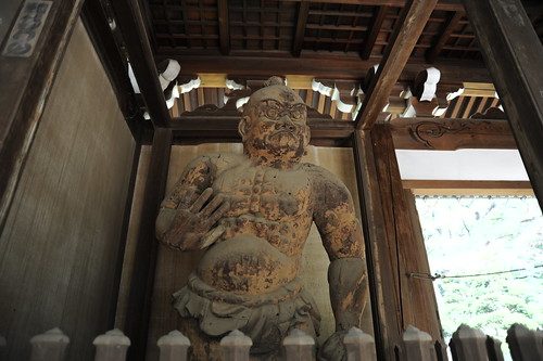 "The Oldest ""Niou"" statue in Tokyo"