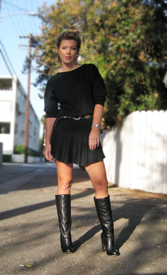 90s-black-dress-black-boots-4