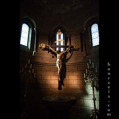 Sur la croix...
