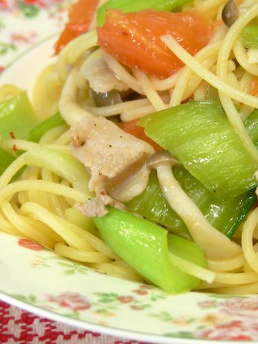 豚バラ肉と青梗菜のスパゲティ