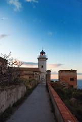 Capo Zafferano - faro 1 (Felisb) Tags: faro nikon tramonto mare cielo sicilia capozafferano d80