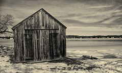 Icy Barn (by MeckiM@c)