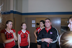 IMG_9232 (SJH Foto) Tags: girls coach tournament volleyball huddle 18s 13109 norlanco