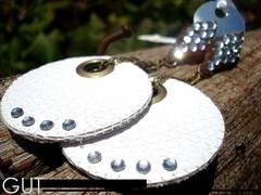 (GUT - por Fernanda Franz Wollmann) Tags: bijuteria bijus couro