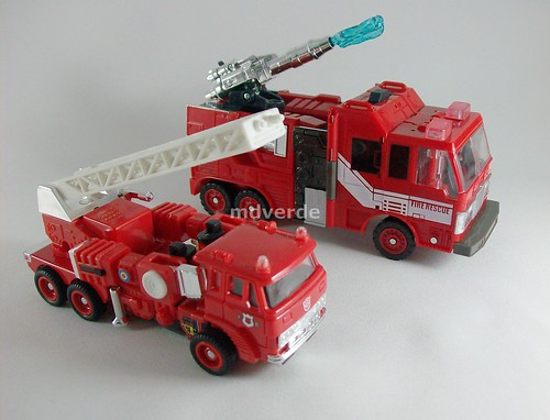 Transformers Inferno Classics Henkei vs G1 - modo alterno