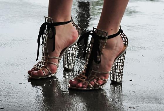 shoes ysl caged yslcagedheelbootie