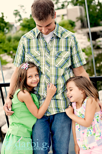 DarbiGPhotography-Kanas City family portrait photographer-Hfamily-_MG_8021v