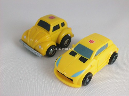 Transformers Bumblebee Universe Legend vs G1 - modo alterno